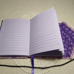 A/6 Lila mintás, gombos-zsebes, vonalas notesz - Meska.hu