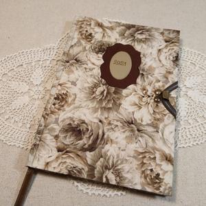 A/5 Barna nagy virágos, kampós határidőnapló, Otthon & Lakás, Papír írószer, Naptár & Tervező, Fotó, grafika, rajz, illusztráció, Könyvkötés, Méretek: 14x20 cm. Halvány krém színű lapokból, kézzel fűzött könyvtest. Hetes beosztású, kézzel meg..., Meska