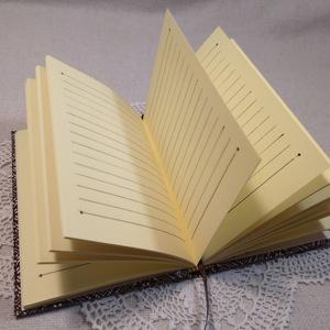 A/6 Barna mintás, vonalas, gumis notesz (Ediba) - Meska.hu
