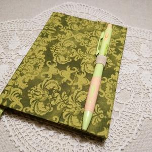 A/6 Zöld  klasszikus mintájú, vonalas, tollas notesz (46) - Meska.hu
