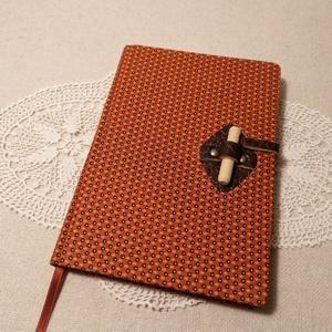 A/5 Narancs, farudas, ponthálós napló, Otthon & Lakás, Papír írószer, Jegyzetfüzet & Napló, Könyvkötés, Fotó, grafika, rajz, illusztráció, Méretek: 14 x 20 cm, 240 oldal, egyedi ponthálós napló. Halvány krém színű lapokból készült a könyvt..., Meska