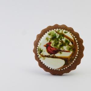 Tűzmadár - festett kézműves keksz, Édesség, Élelmiszer, Festett tárgyak, Mézeskalácssütés, A sötétbarna, kakaós kekszen lévő hófehér tojáshabon ételfestékkel festett kismadár látható. Aprólék..., Meska