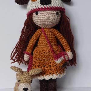 Kutya sapkás, öltöztethető horgolt kislány baba kutyával, Gyerek & játék, Játék, Baba, babaház, Horgolás, Saját tervezésű, egyedi, kb 20cm magas horgolt kislány baba. 100% pamut fonalból készült, a szeme hí..., Meska