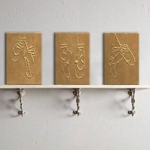 Arany balettcipők - Set of 3, Művészet, Festmény, Napi festmény, Festészet, A 3 darabból álló festmény kasírozott vászonra készült.\nA festmények mérete egyenként 10x15 cm.\nStan..., Meska