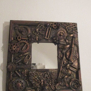 Steampunk falitükör,falikép 25 x 25 cm., Lakberendezés, Otthon & lakás, Képkeret, tükör, Festett tárgyak,  Steampunk falitükör 25 x 25 cm széles,belső méret 9,5 x 9,5 cm., Meska