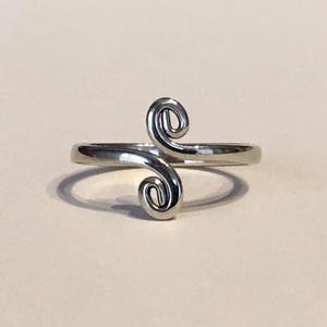 Spirálos egyensúly gyűrű - alpakka, Ékszer, Gyűrű, Vékony gyűrű, Fémmegmunkálás, Ékszerkészítés, Spirálos gyűrű - alpakka\n\nA harmónia szimbóluma.\n\nAz Univerzumban minden formának sajátos (egyedi) r..., Meska