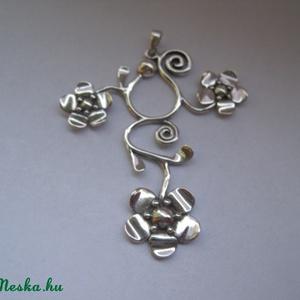 Különleges virágos ezüst medál (egszeresz) - Meska.hu