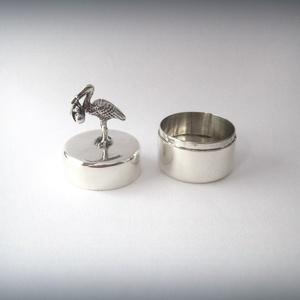 ÚJDONSÁG! Gólyával díszített ezüst dobozka (egszeresz) - Meska.hu