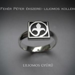Liliom, liliomos gyűrű ezüstből, egy kockás , Ékszer, Gyűrű, A liliomos kollekcióm új gyűrűje. Eddig a négy és a két kockából álló gyűrűfejűt készítettem csak. M..., Meska