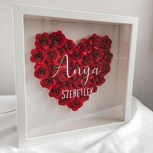 Szív alakú papírvirág box, virágkeret - egyedi felirattal különleges ajándék, dekoráció, Otthon & Lakás, Dekoráció, Falra akasztható dekor, Papírművészet, Papír rózsákból készített falra vagy polcra tehető képkeret.\nKézzel készült egyedi, névre szóló aján..., Meska