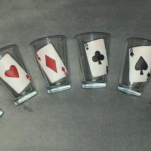 Póker pohár szett, Karácsony & Mikulás, Gyurma, Egyedi, süthető gyurmával készült üvegpoharak\nMinden termékünket saját magunk készítünk és dekorálun..., Meska