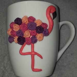 Flamingós bögre, Otthon & Lakás, Konyhafelszerelés, Bögre & Csésze, Gyurma, Egyedi, süthető gyurmával készült bögre.\nMinden bögrét saját magunk készítünk és dekorálunk.\nA bögre..., Meska