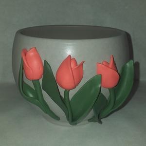 Tulipános kaspó, Otthon & Lakás, Dekoráció, Virágtartó, Gyurma, Egyedi, süthető gyurmával készült kaspó.\nMinden termékünket saját magunk készítünk és dekorálunk.\nA ..., Meska