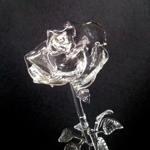 Üvegrózsa II., Csokor & Virágdísz, Dekoráció, Otthon & Lakás, Üvegművészet, Élethű víztiszta üvegrózsa.\nTeljesen kinyílt állapotot idéz., Meska
