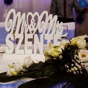 Esküvői dekoráció Mr és Mrs, és vezetéknév-hungarocell, nikecell, polisztirol- 6 betű, Betű & Név, Dekoráció, Otthon & Lakás, Festett tárgyak, Mindenmás, A asztal dekorációnak, vagy nagyobb méretben háttér dekorációnak is nagyon szép! \nDíszítés festés eg..., Meska