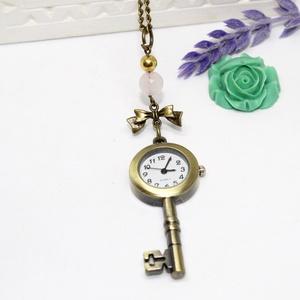 Vintage kulcs,  nyaklánc óra, Ékszer, Ékszerkészítés, \nAntikolt bronz színű vintage kulcs alakú zsebóra,az óra alapot rózsakvarccal, és arany színű gyöngg..., Meska