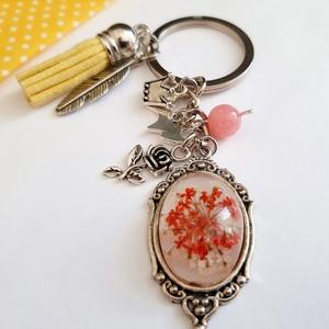 Kis herceg  kulcstartó, Táska & Tok, Kulcstartó & Táskadísz, Kulcstartó, Ékszerkészítés, Kis herceg témájú Tassel kulcstartó, charmokkal, és üvegbe zárt virággal, rózsakvarccal\n\nAntikolt ez..., Meska