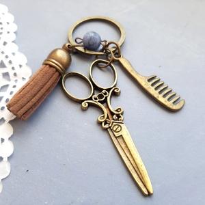 Fodrász kulcstartó, Táska & Tok, Kulcstartó & Táskadísz, Kulcstartó, Ékszerkészítés, Fodrász témájú Tassel kulcstartó, vintage bronz  charmokkal, és lapis lazuri ásvánnyal\n\nAntikolt ezü..., Meska
