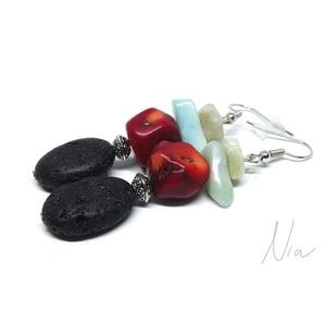 Flamenco - ásvány, korall és lávakő fülbevaló, Ékszer, Lógós fülbevaló, Fülbevaló, Izgalmas rusztikus ékszer, amit 8-17 mm-es lávakő vörös korall és amazonit kövek, ezüst színű fém kö..., Meska