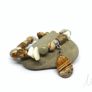 Natúr elegancia - ásvány és korall karkötő jáspis medállal, Ékszer, Karkötő, Ha a természetes, natúr színvilágot részesíted előnyben, ajánlom neked ezt az ékszert.  8-17 mm-es k..., Meska