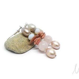 Egy kis romantika - fülbevaló, Ékszer, Fülbevaló, Lógós fülbevaló, Lágyrózsaszín, púderes, romantikus ékszer, amit 5-9 mm-es morganit és pink rodonit ásványok, csiszol..., Meska