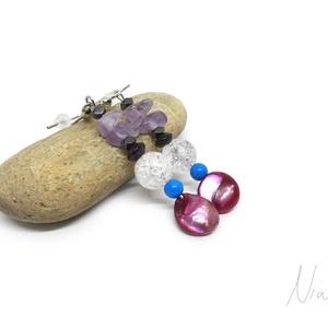 Athén - ásvány és gyöngy fülbevaló, Ékszer, Fülbevaló, Lógó fülbevaló, 3-10 mm-es pink tenyésztett gyöngyök, hematit, színezett howlit, roppantott hegyikristály, gránát és..., Meska