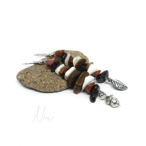 Levélhullás - ásvány és korall fülbevaló makk és falevél medálokkal, Ékszer, Fülbevaló, Lógó fülbevaló, Ékszerkészítés, Meska