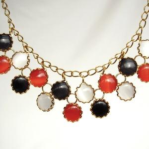duplasoros nyaklánc üveglencsékből, Ékszer, Nyaklánc, Ékszerkészítés, Macskaszem üveglencsékből álló nyaklánc, klasszikusan elegáns fekete-fehér-piros színösszeállításban..., Meska
