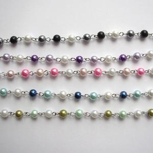 gyöngyös lánc, Gyöngy, ékszerkellék, Üveggyöngy, Haladós alapanyag: gyöngyös lánc. A 6 mm átmérőjű színátmenetes üveg tekla gyöngyök ezüst színű lánc..., Meska