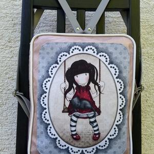 Gorjuss hátizsák, Táska, Divat & Szépség, Táska, Hátizsák, A4-es méretű hátizsák, rosegold textilbőrrel. Belseje egyterű, belül és kivül egy kis zsebbel. Cipzá..., Meska