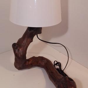 Görbefa lámpa, Lakberendezés, Otthon & lakás, Lámpa, Hangulatlámpa, Olvasólámpa, Famegmunkálás, Egyedi, természetes, különleges görbefa lámpa. A lámpatest bükkfaágból készült,sötétbarna színű,lakk..., Meska
