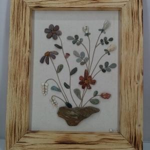 Kavicsvirág csokor kőtálban, Otthon & lakás, Dekoráció, Kép, Lakberendezés, Falikép, Famegmunkálás, Mindenmás, A tavasz ihlette ezt a virágcsokros képet. Minden egyes kavicsot saját kézzel szedtem, válogattam. R..., Meska