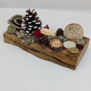 Karácsonyi cseresznyefa asztaldísz natúr díszítéssel, angyalkával, Otthon & Lakás, Karácsony & Mikulás, Karácsonyi dekoráció, Famegmunkálás, Mindenmás, A természet ajándékaiból válogattam erre a cseresznyefa alapra díszítést: fenyőtobozt, szárított gom..., Meska
