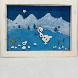 Olaf korcsolyázik kavicskép, Otthon & Lakás, Dekoráció, Kép & Falikép, Festészet, Famegmunkálás,  Vidám, téli hangulatú képet készítettem kavicsokból. A hátteret akrilfestékkel festettem, erre raga..., Meska