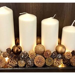 Adventi ledvilágításos tálca, Adventi koszorú, Karácsony & Mikulás, Otthon & Lakás, Virágkötés, 30 cm-es üvegtálon ledvilágításos adventi dísz. Gyertyatüskével készült, így a gyertya cserélhető ra..., Meska