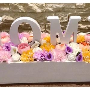 Faládikóban virágok Home felirattal, Otthon & Lakás, Dekoráció, 35 cm-es faládában virágok és Home felirat.  Részletekért kerese webáruházamat:  WWW.ELITDECOR.HU..., Meska