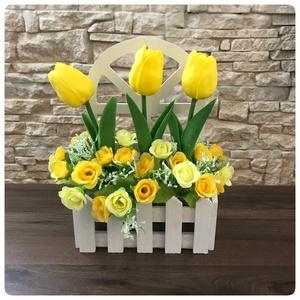 Sárga virágok kis kertben, Otthon & Lakás, Dekoráció, Sárga virágok kis kertben. Ízléses és vidám lakás dekoráció, mely megidézi a tavaszi hangulatot. Fel..., Meska