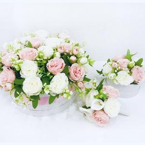 Komplett esküvői szett , Esküvő, Esküvői szett, Virágkötés, Tartalma egy 40 cm-es nagy főasztali dísz, 15 kicsi kb 15 cm-es asztalra való virágbox, egy színvilá..., Meska