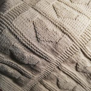 Baba takaró, Játék & Gyerek, Babalátogató ajándékcsomag, Kötés, Szívecske mintás, dupla falú baba takaró nagyon puha fonalból, ami kézzel kötött technikával készült..., Meska