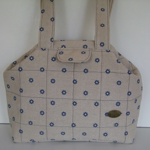 Kék virágos len-pamutvászon női táska, Válltáska, Kézitáska & válltáska, Táska & Tok, Varrás,  Kék virágos len-pamutvászonból varrtam, 20 cm-es mágneszáras keretre, mely összecsukva teljesen zár..., Meska