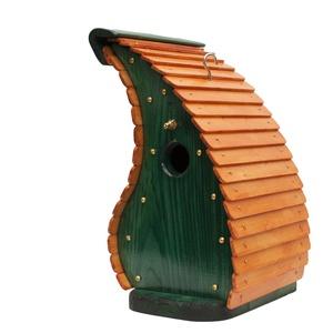 Smaragd sárkány madárodú, Otthon & lakás, Lakberendezés, Állatfelszerelések, Madár kellékek, Kerti dísz, Famegmunkálás, A terméket tömör fenyőből készítettem. A tető borovi fenyő lazúrral van kezelve a vázat zöld páccal ..., Meska