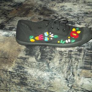 himzett cipő, Cipő, Cipő & Papucs, Ruha & Divat, Hímzés, kalocsai himzett cipő kért méretben elkészítem, Meska