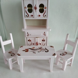 Konyhabútor miniatűr pink, Játék & Gyerek, Baba & babaház, Babaház, Festett tárgyak, Famegmunkálás, Kézzel festett miniatűr konyhabútor a kórósi templom mintáit alapul véve. \nVilágos rózsaszín alapszí..., Meska