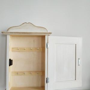 Kulcstartó szekrény(nagy)- Pipacsos - Meska.hu