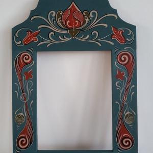 Kézzel festett tükör keret, Otthon & Lakás, Dekoráció, Tükör, Festett tárgyak, Kalotaszegi templomkazetta mintája alapján festett egyedi tükör keret.\nBútor méhviasszal zárva.\nMére..., Meska