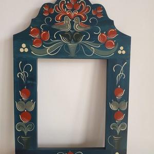 Kézzel festett tükörkeret- Kalotaszegi, Otthon & Lakás, Dekoráció, Tükör, Festett tárgyak, Kalotaszegi templomkazetta mintája alapján festett egyedi tükörkeret.\n\nMérete: 56 x 36 x 2 cm\nAnyaga..., Meska