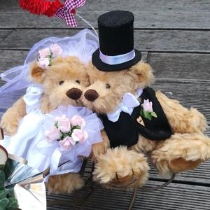 Esküvői pár (emlekmacko) - Meska.hu