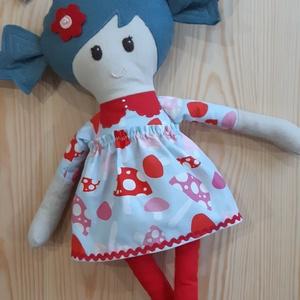 Textil baba, Játékbaba, Rongybaba, Gombás mintás ruhás kézműves baba, Játék & Gyerek, Baba & babaház, Öltöztethető baba, Baba-és bábkészítés, Varrás, Enani Baba (45-48cm)\nA baba testét 100%  pamut vászonból, a ruháját designer organikus pamutvászonbó..., Meska