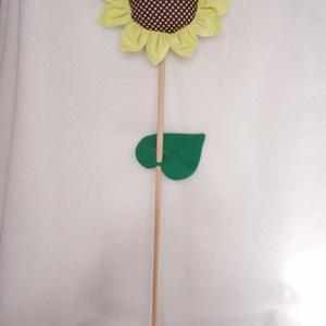 Napraforgó, Csokor & Virágdísz, Dekoráció, Otthon & Lakás, Varrás, Vonzó, dekoratív textil napraforgót készítettünk, melyet egy gyönyörű nyári napraforgótábla inspirál..., Meska