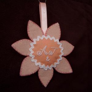 Köszönetajándék-Virág, Köszönőajándék, Emlék & Ajándék, Esküvő, Varrás, Hímzés, Ez a köszönetajándék különleges módon szimbolizálja a köszönetet, akár a násznép felé, akár bármilye..., Meska